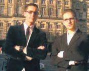 2 acteurs undercover voor media aandacht