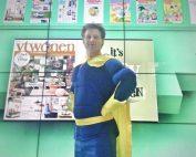 superhero acteur voor energie teambuilding