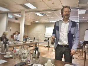 huureenacteur flexcoach undercover-acteur bijeenkomst inhuren