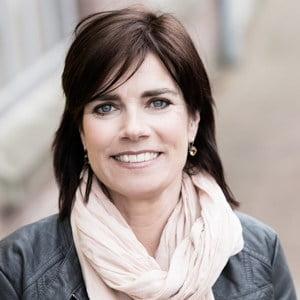 Referentie-De-Leeuw-communicatie-en-organisatie-Channa-van-Doorn-HuureenActeur_acteurs inhuren