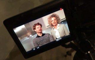 twee acteurs op beeld voor reclame commercial